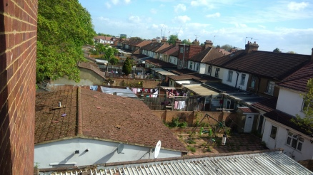 Pic.5_A birdlike view over the neighbors' rear gardens