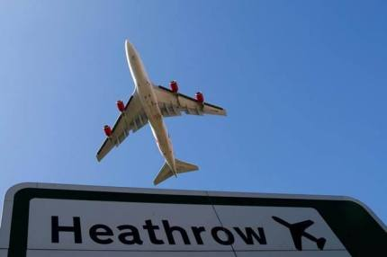 Pic.8 _Landing and taking off (no more) at Heathrow Airport